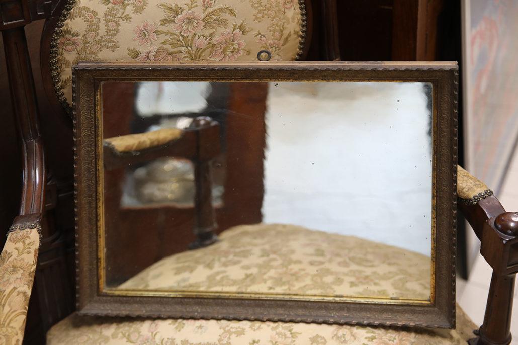 Specchio con cornice in pastiglia dorata - Specchio con cornice dorata ...